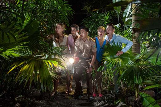 夜の動物園を探検