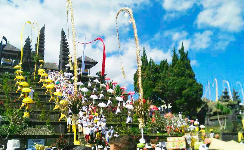バリ島まるごとツアー|ブサキ寺院~ウルワツ寺院サンセット