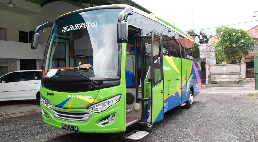 カーチャーターで使用する大型バス