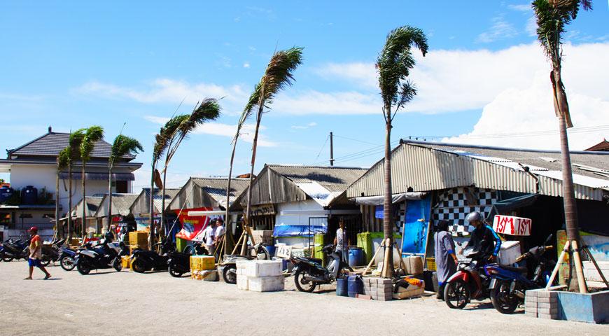 ジンバランの魚市場の建物