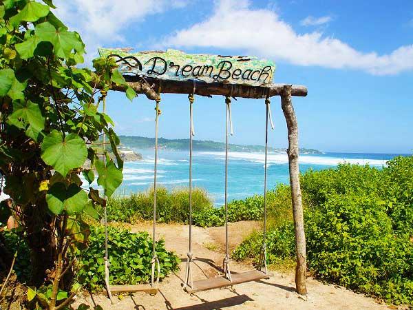 ドリームビーチのシンボル「ブランコ」