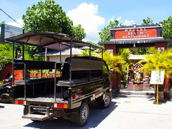レンボンガン島ビレッジツアーで使用する車