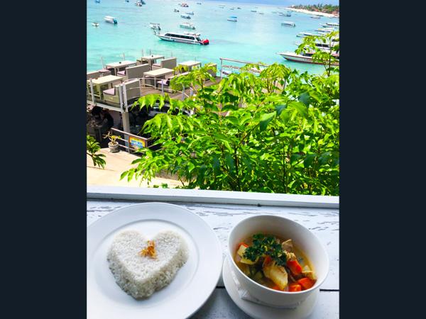 ware restaurantの美味しそうなランチと海