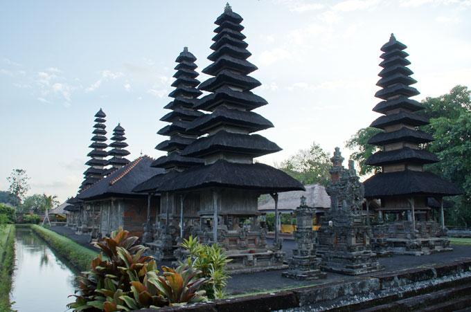 美しいタマンアユン寺院