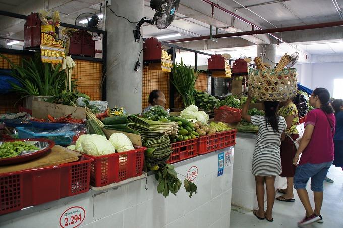 バドゥン市場の野菜コーナー