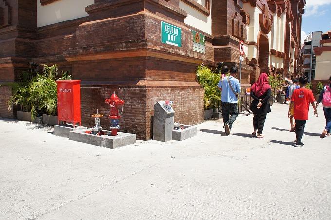 バドゥン市場の消火栓