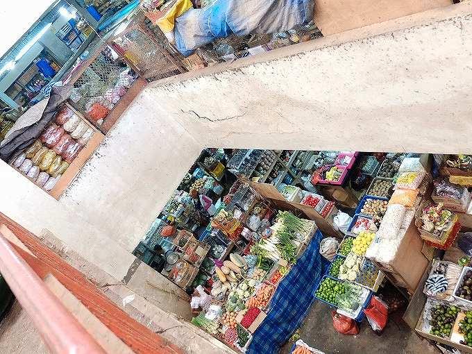 旧バドゥン市場の吹き抜け