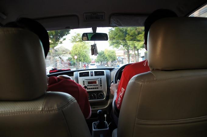 バリユナイテッドのユニに着替えてスタジアムに向かう車内
